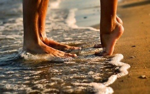 beach-feet-foam-ocean-sand-Favim.com-402747